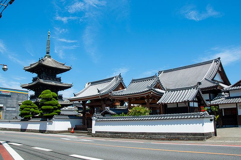 龍源寺三重塔の写真